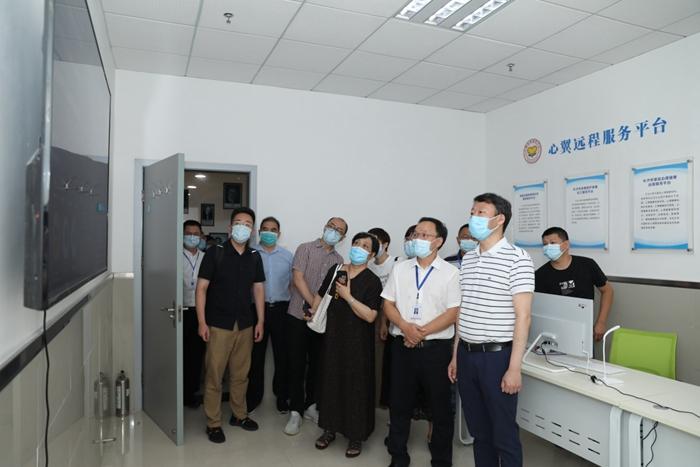 国家心理健康和精神卫生防治中心副主任王钢一行到长沙市第九医院调研指导